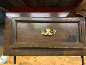 Queen Bed frame 4 drawer pedestal for Sale in Ocala, FL