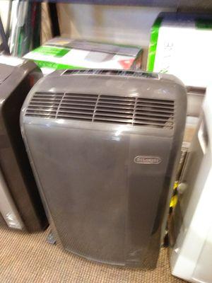DeLonghi 12,500btu air conditioner dehumidifier fan and heater for Sale in Modesto, CA