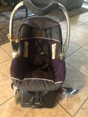 Purple Car Seat with Base. for Sale in Litchfield Park, AZ