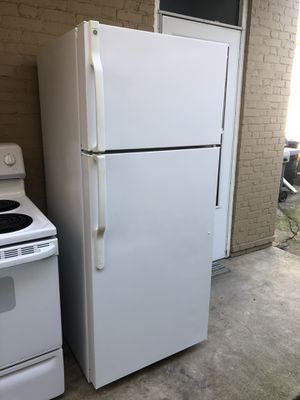 Refrigerator 1 year use I'm selling because I bought other. General Electric. Works great used normal for Sale in Lebanon, PA