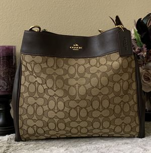 NWT! Brand New! Signature Coach Lexy Shoulder Bag, Please See Details ♥️ for Sale in Redlands, CA