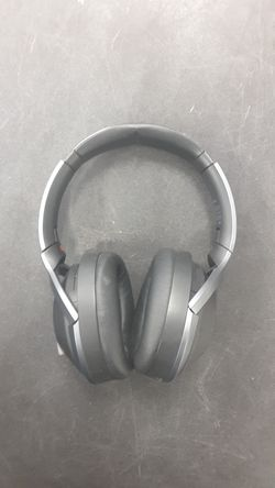 Sony Bluetooth Noise Cacelling Headphones WAS $76 NOW $60 for Sale in Chicago,  IL