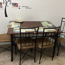 Very Good Condition dining Table for Sale in Kennesaw,  GA