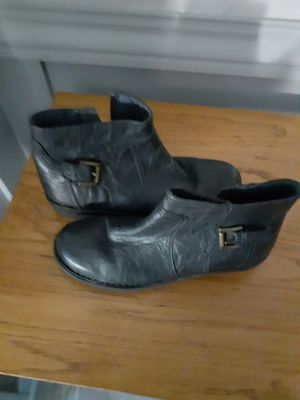 Clark's NAVY Leather Ankle Boots SIZE 8-1/2 Medium for Sale in Greenfield, WI