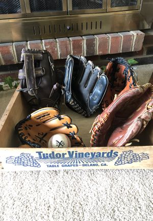 Baseball Gloves/Mitts for Sale in Parma, OH
