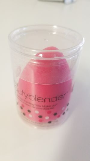 Original beauty blender, makeup sponge, makeup accessory for Sale in San Diego, CA