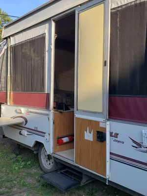 1999 Jayco Pop up camper for Sale in Cleveland, OH
