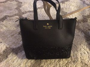 Kate spade small purse for Sale in Hemet, CA