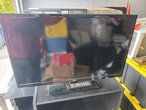 """32"""" SEIKI TV with remote and DVD player for Sale in Marysville, WA"""