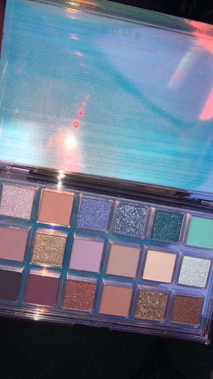 Huda beauty mercury retrograde palette for Sale in Auburn, WA