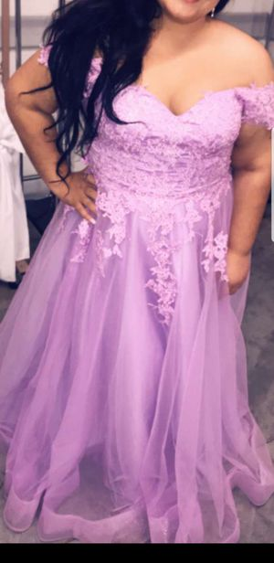 L/XL LAVENDER PROM DRESS/BRIDESMAIDS DRESS for Sale in Phoenix, AZ
