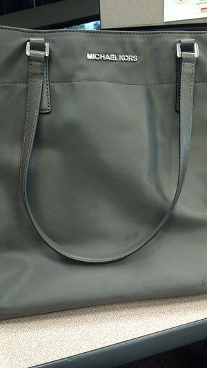 Michael Kors gray bag for Sale in Austin, TX