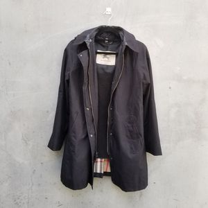 Burberry womens size 10 black raincoat for Sale in Kirkland, WA