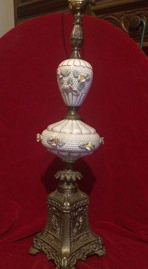 Vintage lamp for Sale in Nashville, TN