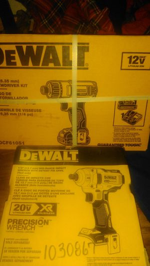 DeWalt wrench with detent I pin and anvil /screwdriver kit for Sale in Desert Hot Springs, CA