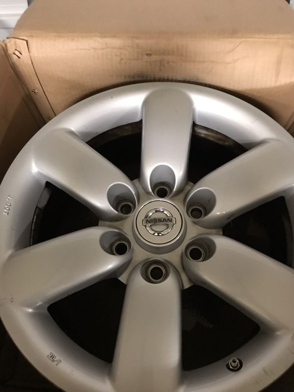 "2010 Nissan Armada SE ""Set Of 4"" Factory Rims With Chrome Covers....18 inch RIMS!!! Set Of 4!!!"