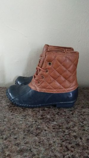 Kids Steven Madden snow and rain boots kids size 1 for Sale in Manheim, PA