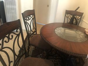 Tabel and four chairs for Sale in El Cajon, CA