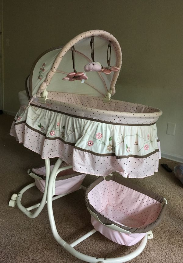 Bed for beby now borne