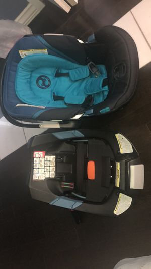 Infant car seat cybex gold for Sale in Falls Church, VA