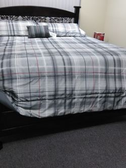 Solid Pinewood Bed King Size for Sale in Los Angeles,  CA