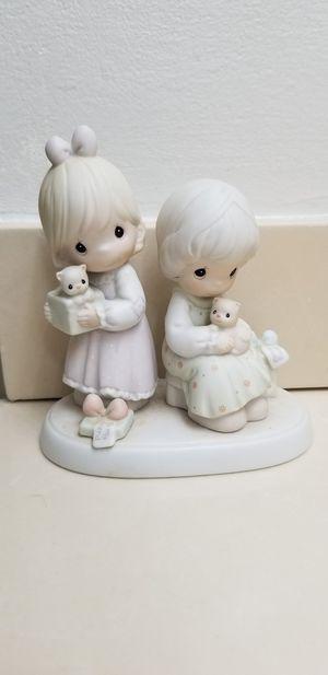 Precious Moments Figurine RETIRED Circa 1990's for Sale in Hialeah, FL