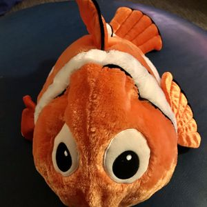 Youth + Adult Finding Nemo Costume Stuffed Plush Hat for Sale in Fresno, CA