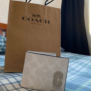 White Coach Wallet for Sale in Sacramento, CA