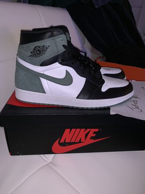 Jordan 1 clay green size 13 for Sale in Los Angeles, CA