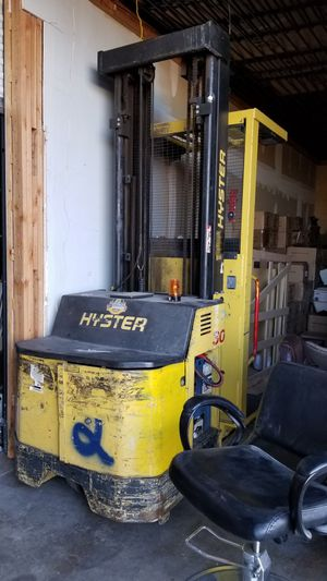 Hyster stand forklift run good for Sale in Mesa, AZ