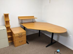 Corner Desk - MUST GO for Sale in Ashton-Sandy Spring, MD
