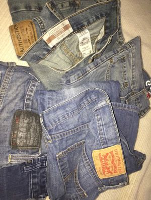 Woman blue jeans / 👖AUTHENTIC SIGNATURE LEVI- Straight 30/32 👖Denizen Levi's - Skinny 31/30 👖Levi STRAUSS&co w32/L30 👖LEVI STRAUSS&co w31/L30 👖Cal for Sale in Tampa, FL