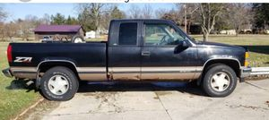 98 Chevy silverado for Sale in Cleveland, OH