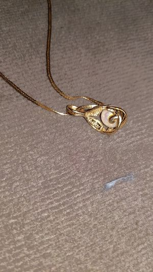 14 k gold chain and 14 k pendant with real salt water pear and diamond accent for Sale in Lacey, WA