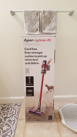 Dyson Stick Vacuum V10 Motorhead for Sale in Lexington, MA