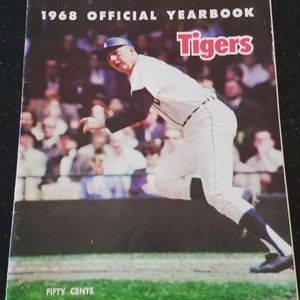 1968 Detroit Tigers yearbook. Very good condition for Sale in Grosse Pointe, MI
