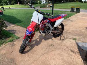 2006 Honda CRF 450 dirt bike for Sale in Piedmont, SC