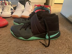 Nike Kyrie 2 basketball shoes for Sale in St. Petersburg, FL