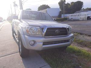 2006 toyota tacoma preruner v6 sr5 for Sale in Hialeah, FL