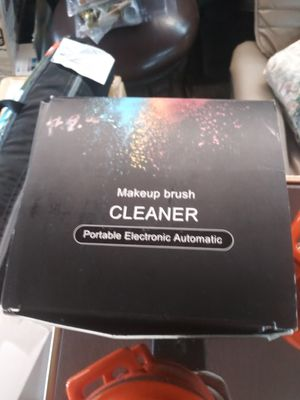 Makeup brush cleaner portable electronic automatic. for Sale in Las Vegas, NV