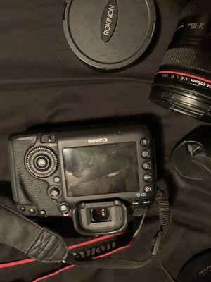 Mark d5 cannon camera 2 lenses 3 batteries for Sale in Evansville, IN