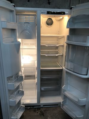 JennAir GlassFront Side By Side Fridge for Sale in Columbia, SC