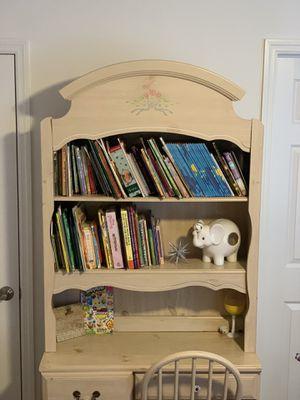 Children's dresser & desk with bookshelves for Sale in West Palm Beach, FL