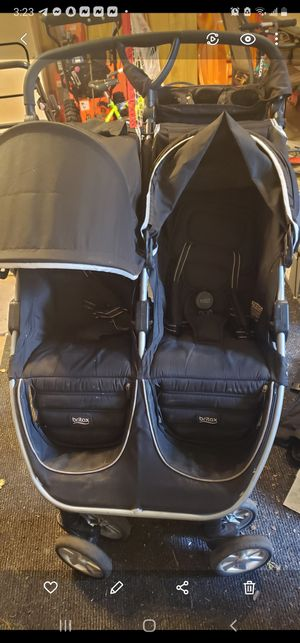 Britax B-Agile double stroller for Sale in North Tonawanda, NY