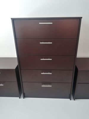 New dark brown chest and two nightstands for Sale in Tampa, FL