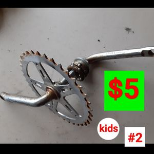 Bike parts/ partes bicicleta/ kids cranck for Sale in Phoenix, AZ