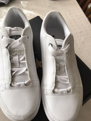 New Converse White on White size 5 1/2 little flaking from sitting in shoe box for Sale in Compton, CA