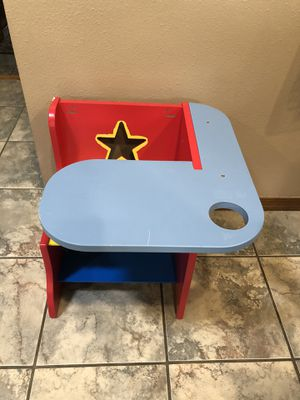 Small kids desk for Sale in Arvada, CO