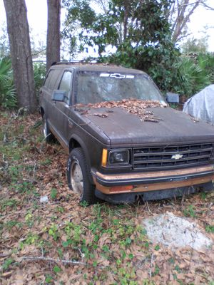 Chevy S 10 Blazer 2.8 eng 4x4 for parts for Sale in Jacksonville, FL