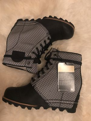 RARE! NWT Sorel Black and White Wedge Boot Sz 7 for Sale in Pasadena, MD